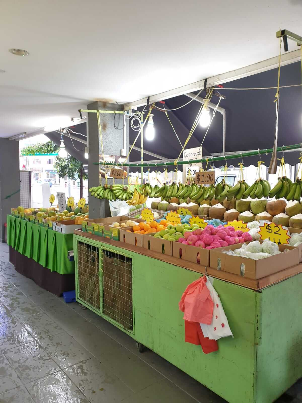 Fruits and juices shop for takeover